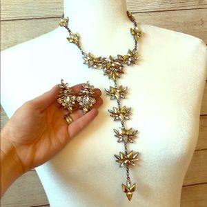 Jewelry - Glamorous matching necklace and earrings!